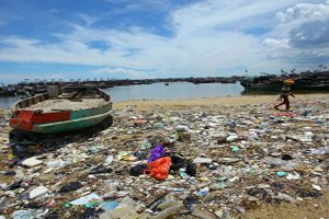 Sampah Plastik Mencemari Samudra Global