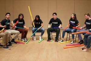 Para Boomwhacker Mengcover Lagu 'Don't Stop Believin'