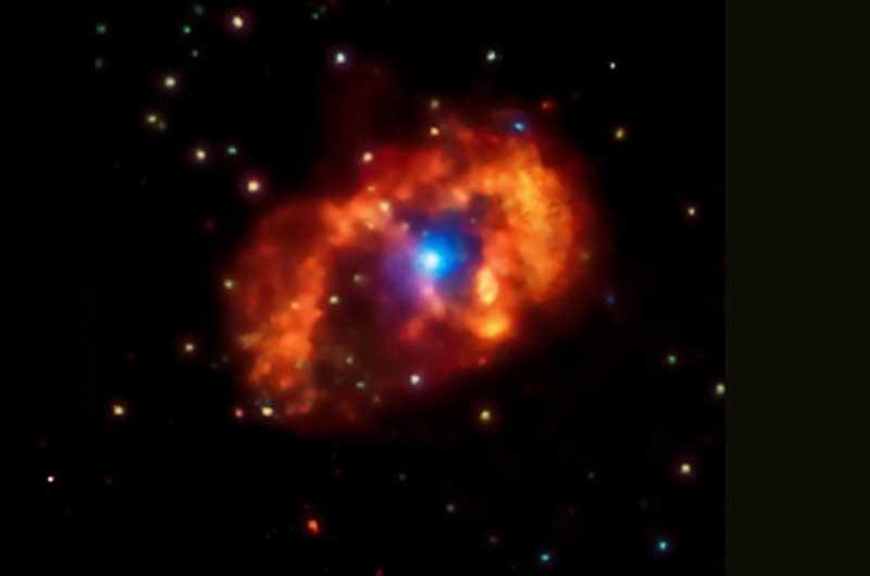 Sistem Eta Carinae adalah sebuah Nebula terbesar dan paling terang di galaksi, berjarak sekitar 7.500 tahun cahaya dari Bumi. (NASA)