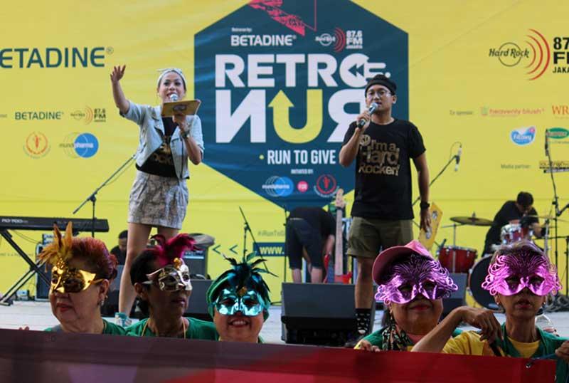 Panggung hiburan Retro Run, lari mundur di Jakarta. (Foto RMat)